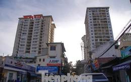 Dân Thủ đô 'kêu trời' vì loạt cao ốc đu bám hai bên tuyến phố chỉ rộng gần 10m