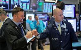 Đàm phán Mỹ - Trung tái khởi động vào tuần sau, Dow Jones bật tăng gần 180 điểm