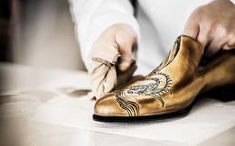 """Quy trình chế tác giày bespoke giá nghìn USD của Berluti - """"anh em cùng nhà"""" với Louis Vuitton: Mất 9 tháng và 250 công đoạn để làm ra tuyệt phẩm!"""