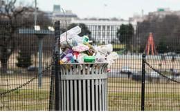 """Chính phủ Mỹ đóng cửa: Các hoạt động """"đóng băng"""", rác vương vãi khắp đường"""