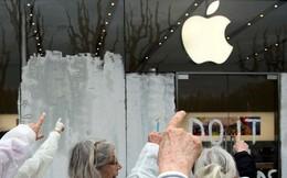 Apple âm thầm yêu cầu nhà sản xuất giảm 10% số lượng iPhone