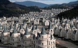 Xót xa 'làng biệt thự' 200 triệu đô tuyệt đẹp bị bỏ hoang