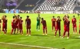 Những giây phút đầy xúc động của ĐT Việt Nam với CĐV nước nhà tại SVĐ Dubai sau trận thua đáng tiếc trước Nhật Bản
