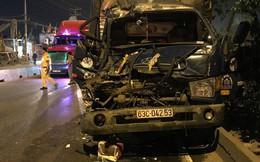 Xe tải tông vào đuôi xe container dừng đèn đỏ, 3 người thương vong ở Sài Gòn