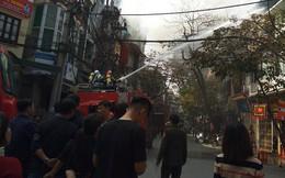 Cháy nhà trên phố cổ Hà Nội ngày cúng ông Công, ông Táo