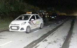 Sang Việt Nam du lịch hết tiền, hai du khách người nước ngoài cướp taxi