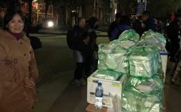 Người dân Đồng Đăng nấu cơm, xôi tặng hàng trăm phóng viên