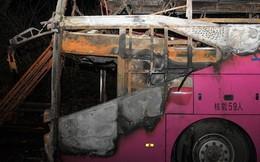Trung Quốc: Xe buýt chở du khách bốc cháy, 26 người chết