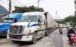 Doanh nghiệp vận tải lo 'mất khách' trước áp lực giá xăng dầu