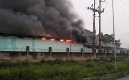 Hà Nội: Nhà kho chứa hàng 200m2 của công ty dược bị lửa thiêu lúc rạng sáng