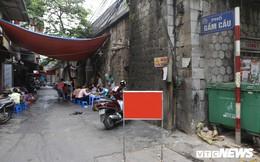 Ảnh: Vòm cầu đá trăm tuổi được đục thông trên phố cổ Hà Nội