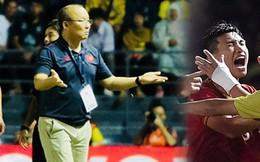 HLV Park Hang-seo lao vào sân phản ứng cực gắt khi Văn Hậu bị đối phương tát vào mặt
