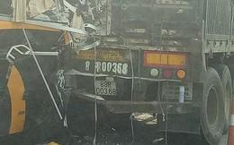 Xe khách 45 chỗ va chạm xe đầu kéo trên cao tốc Nội Bài - Lào Cai, nhiều người bị thương