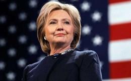 """Bà Clinton chưa thể """"hạ cánh an toàn"""""""
