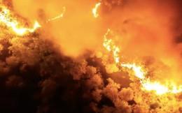 Clip: Núi Hồng Lĩnh thành biển lửa, di dời dân khẩn cấp