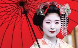 """Lý do geisha Nhật Bản luôn bôi son đỏ, quốc kỳ cũng vẽ mặt trời đỏ hay văn hóa """"cuồng"""" màu rực rỡ của xứ Phù Tang"""