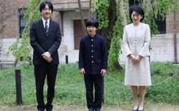 Gia đình Thái tử Nhật Bản đi du lịch: Chồng một mình bay trước, vợ và con trai bay chuyến sau vì lý do nghe xong ai cũng phản đối rầm rầm