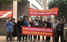 Khách hàng vây trụ sở, đòi lại trăm tỷ từ dự án 'ma' ở Hà Nội
