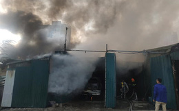 Cháy lớn khu nhà xưởng gần đường Nguyễn Xiển thiêu rụi nhiều tài sản