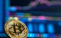 """Bitcoin """"mắc cạn"""" ở ngưỡng 10.000 USD"""