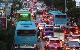 """Chuyên gia: """"Hà Nội nên lùi thời gian tổ chức làn ưu tiên xe buýt"""""""
