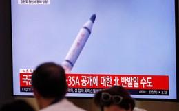 """""""Canh bạc"""" thử tên lửa của Triều Tiên"""