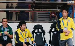 """HLV Nishino ngậm ngùi sau trận thua: """"Bóng đá Thái Lan cần học hỏi Việt Nam"""""""