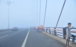 Sương mù xuất hiện dày đặc ngày đầu năm ở Cần Thơ
