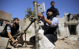 Quân nổi dậy Syria dùng iPad để xác định góc độ sử dụng súng cối