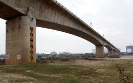 Cây cầu Vĩnh Tuy 3.600 tỉ đồng không chỉ nứt ở trụ T 22