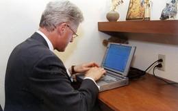 Laptop đầu tiên tổng thống Mỹ dùng để gửi email có giá bao nhiêu?