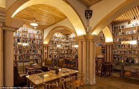 Khách sạn dành cho những 'con mọt sách'