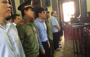 Toàn cảnh phiên tòa ngày 26/7: Mâu thuẫn trong lời khai của nội bộ nhóm Trần Ngọc Bích