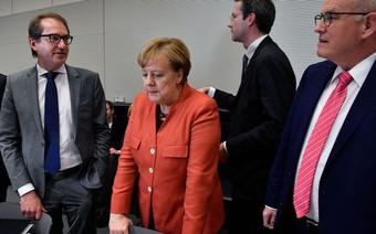 Bà Merkel rơi vào thế bế tắc chưa từng có trong lịch sử Đức