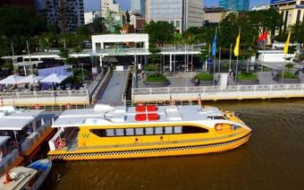 Buýt sông Sài Gòn 'cháy vé'