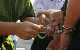 Lừa dân, trưởng phòng thanh tra phòng chống tham nhũng bị bắt