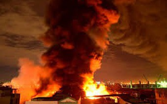 Cháy trường học ở TP.HCM, hàng trăm học sinh phải di tản