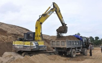 Doanh nghiệp kêu cứu vì giá cát tăng