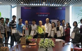 Trao giải cuộc thi viết Nghề Tài chính Ngân hàng: Thử thách và Vinh quang