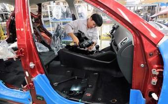 Giá ô tô ở Việt Nam cao gấp 2 lần Thái Lan, Indonesia