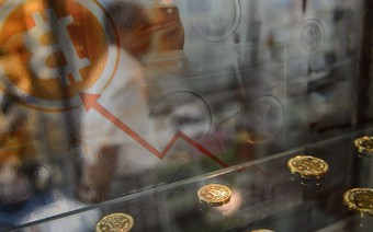 Khi cơn điên đến hồi chuông cảnh báo: Người Mỹ cầm cố nhà, vay tiền ngân hàng để mua bitcoin