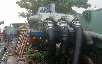 4 máy thay siêu máy bơm chống ngập đường Nguyễn Hữu Cảnh