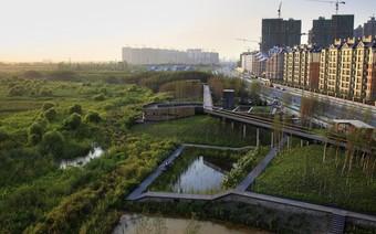 """Để chống lại biến đổi khí hậu, Trung Quốc đang xây dựng 30 thành phố """"bọt biển"""""""