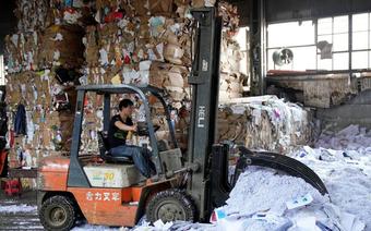 Sau lễ mua sắm Singles' day, Trung Quốc ngập trong 160 ngàn tấn rác