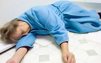 Chuyên gia tim mạch cảnh báo: Tắm vào thời điểm này nguy cơ đột quỵ rất cao
