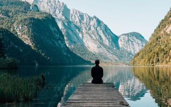 5 điều Dễ và Khó của cuộc đời con người: Hiểu càng sớm, bạn càng ít mắc sai lầm và sống hạnh phúc hơn