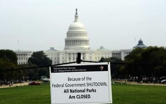 Chính phủ Mỹ đóng cửa, người dân Mỹ gặp phiền toái gì?
