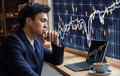 """SRA """"hạ nhiệt"""" sau chuỗi ngày tăng trần, Vn-Index điều chỉnh với thanh khoản giảm sút"""