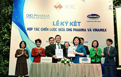 """""""Vua"""" sữa Vinamilk bắt tay hợp tác cùng ông lớn ngành dược Dược Hậu Giang phát triển sản phẩm mới"""