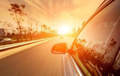 Đỗ xe dưới trời nắng nóng tàn phá ô tô như thế nào?